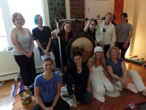 Lori, Jessica and the participants with the gong & singing bowls